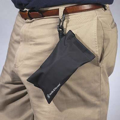 CARRYING POUCH
