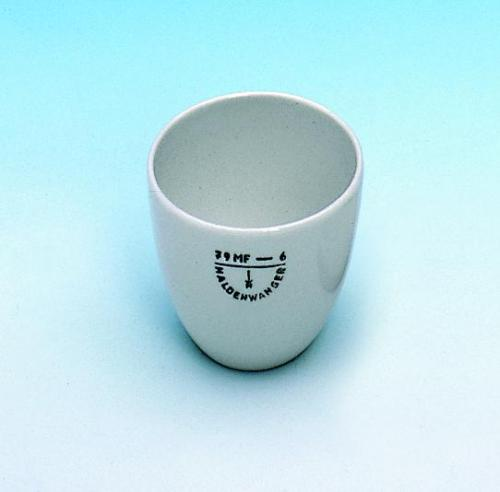 Crucibles, porcelain, medium form